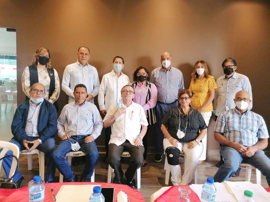 Miembros directivos de la Oficina Técnica Provincial en la recién celebrada a asamblea celebrada el 25 de julio de 2021